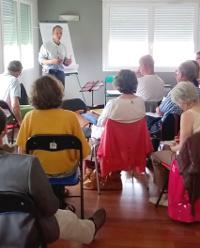L'Association présente des stages et conférences