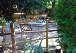La terrasse avec sa la fontaine